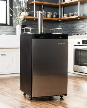 Acest frigider este considerat unul de buget mediu